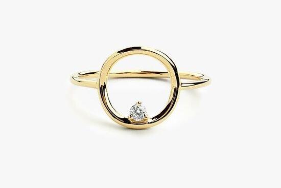 14K Gold Circle Diamond Ring