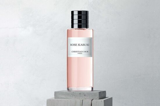Rose Kabuki Fragrance: the floral fragrance, powdery and musky rose | DIOR