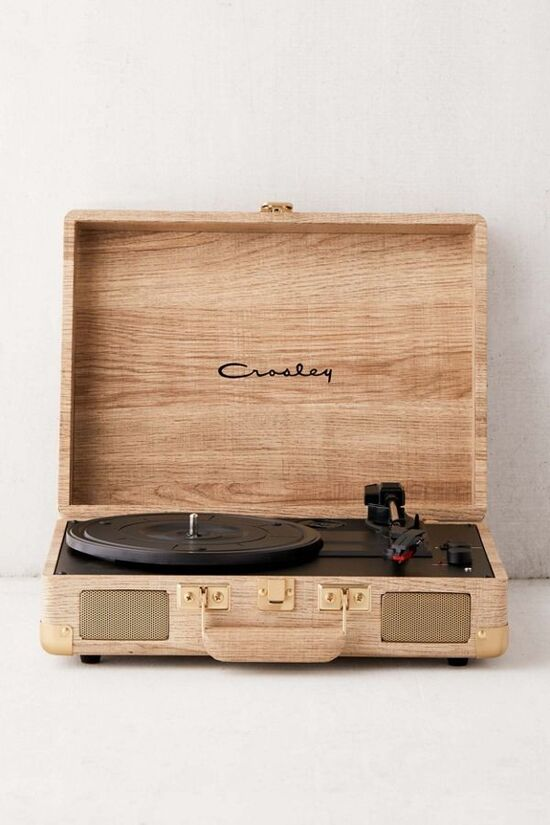 Crosley UO Exclusive Wood Cruiser Bluetooth Record Player