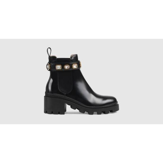 Gucci Leather ankle boot with belt